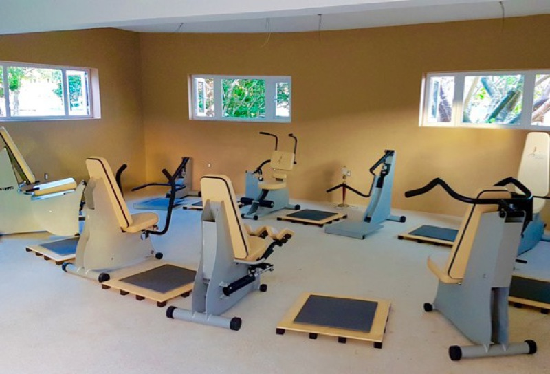 gym equipment senior exercise fitness machines